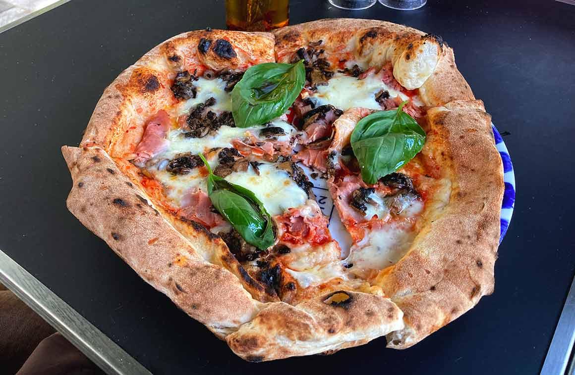 La Terrazza 25 pizza de Peppe