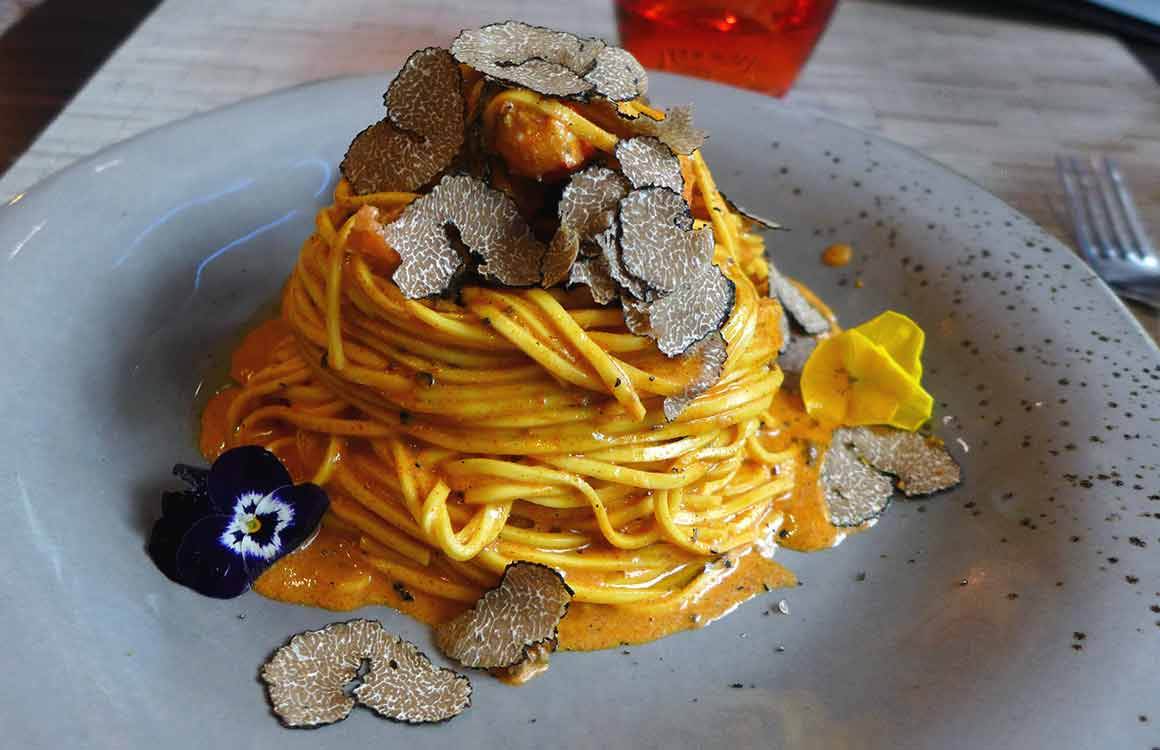 Restaurant Truffes Folies Berri linguines homard et truffe