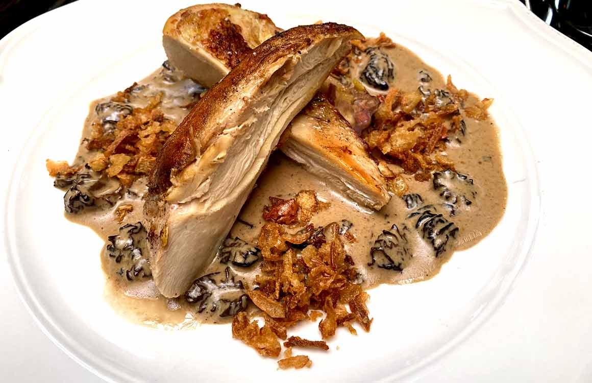 Restaurant Le Coq de Bougival volaille sauce morilles