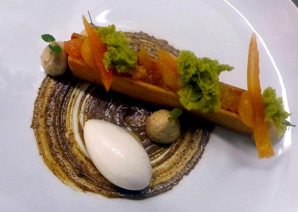 Restaurant La Scène Thélème, Les agrumes de Michel Bachès confits avec petite pâte sablée