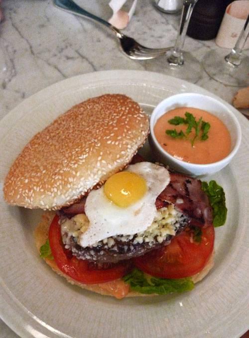 Restaurant Aux Prés, le burger