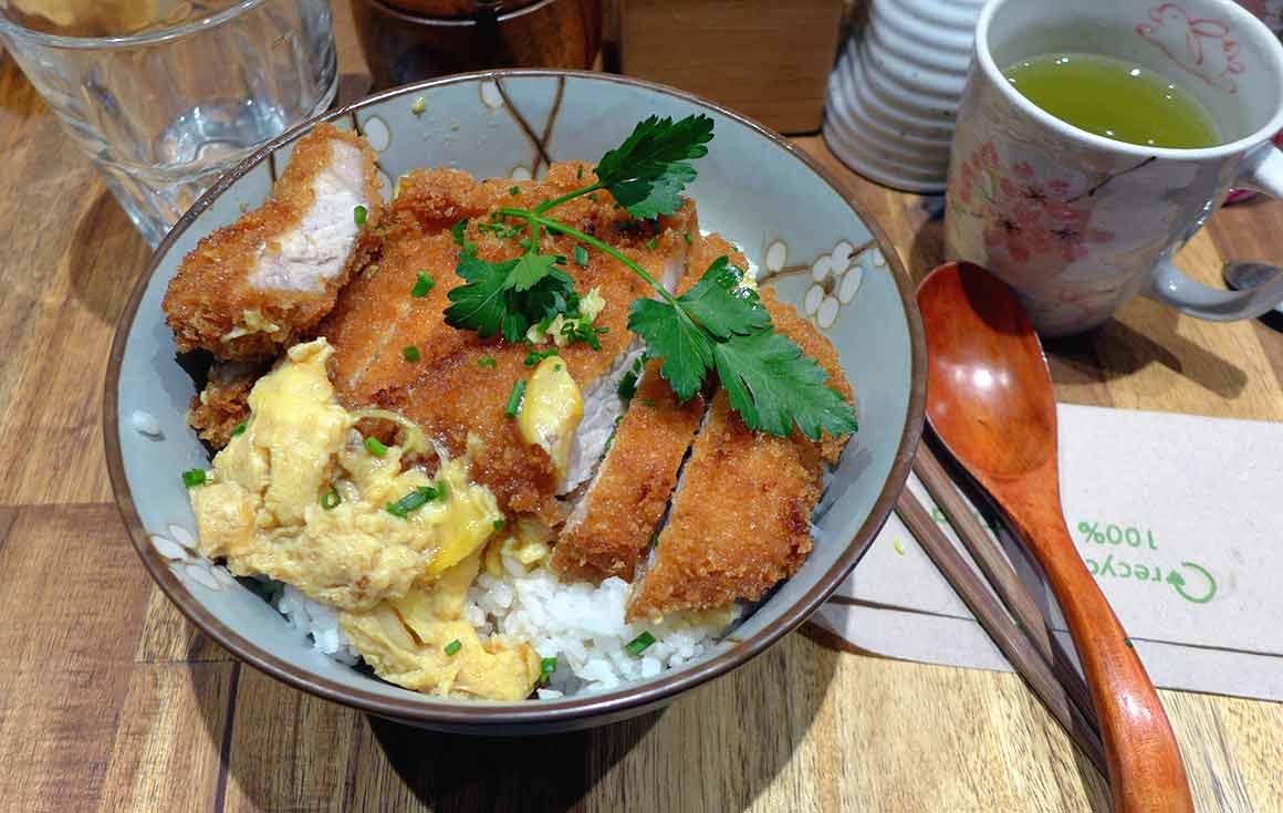 Restaurant Neko Ramen Katsudon