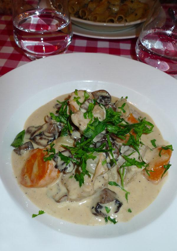 Restaurant Au Petit Tonneau, la blanquette de veau