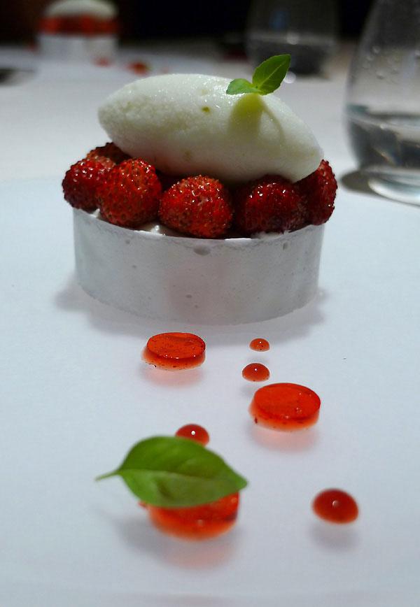 Restaurant Le Quinzième : fraises des bois avec meringue croquante