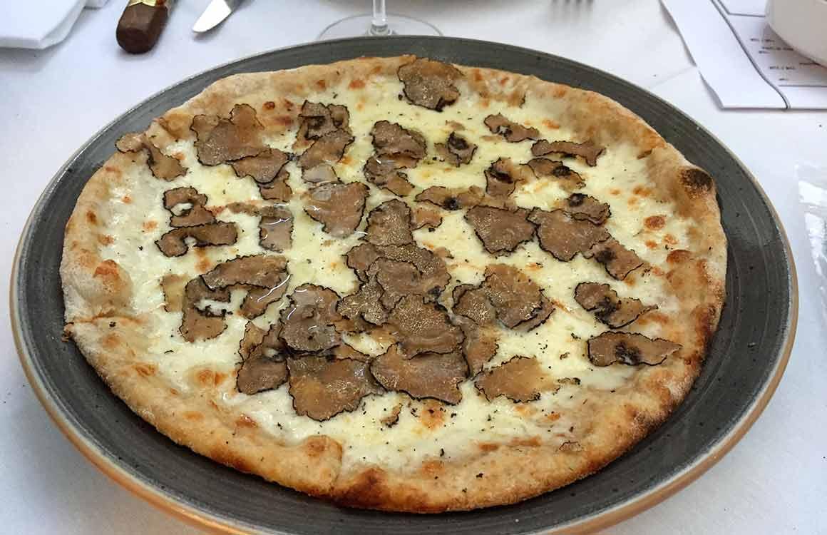 Restaurant Café de la Jatte pizzeta truffes