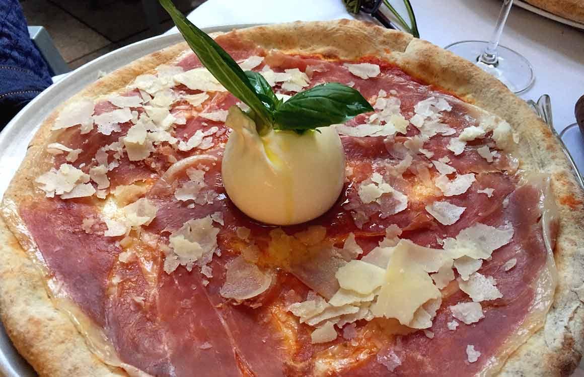 Restaurant Café de la Jatte pizza San Daniele et burrata
