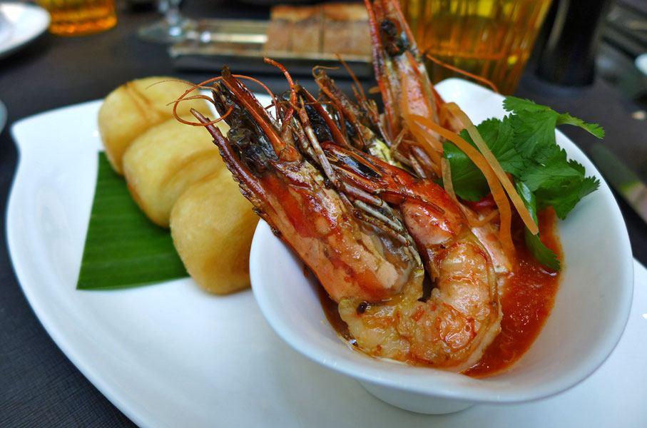 Restaurant A LA BAUHINIA, GAMBAS, pain bun «mantou» frit