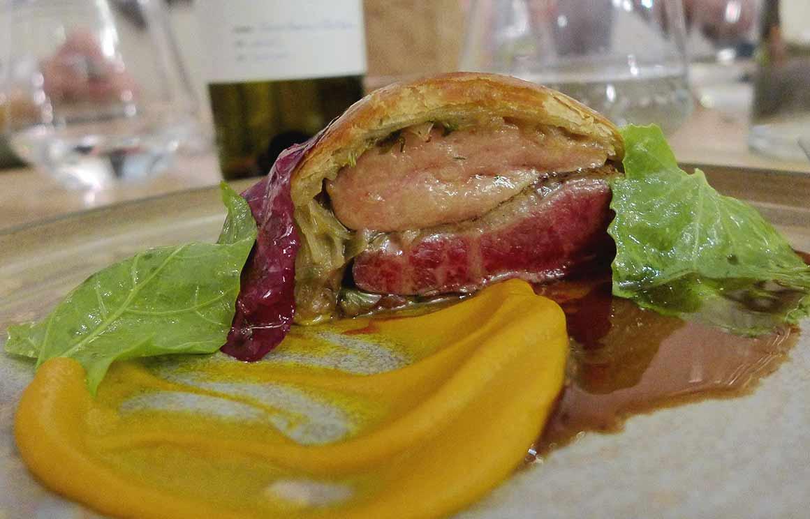 Restaurant ACCENTS, la tourte de pigeon de Mesquer et foie gras