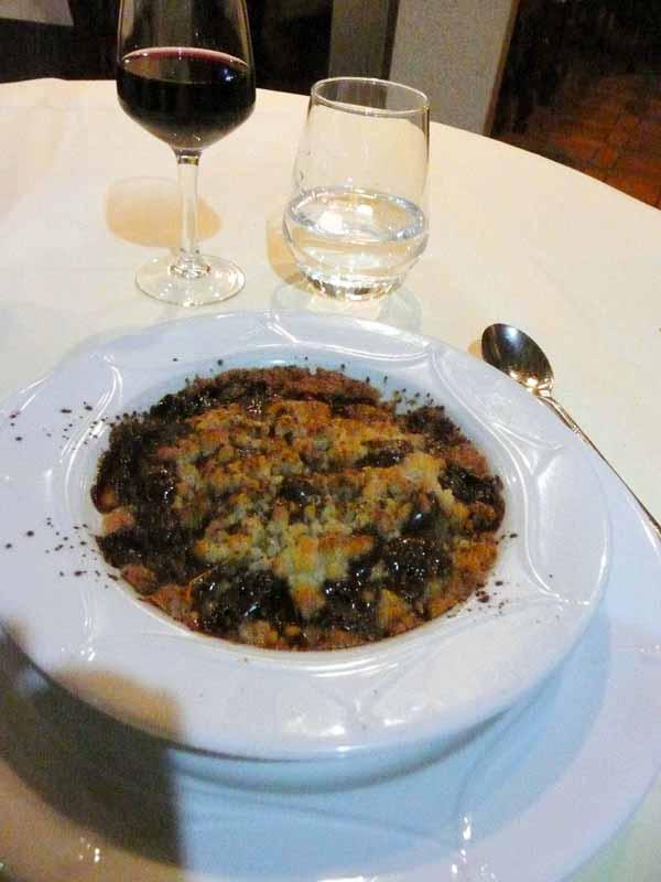 Restaurant Agapes, crumble aux poires et chocolat