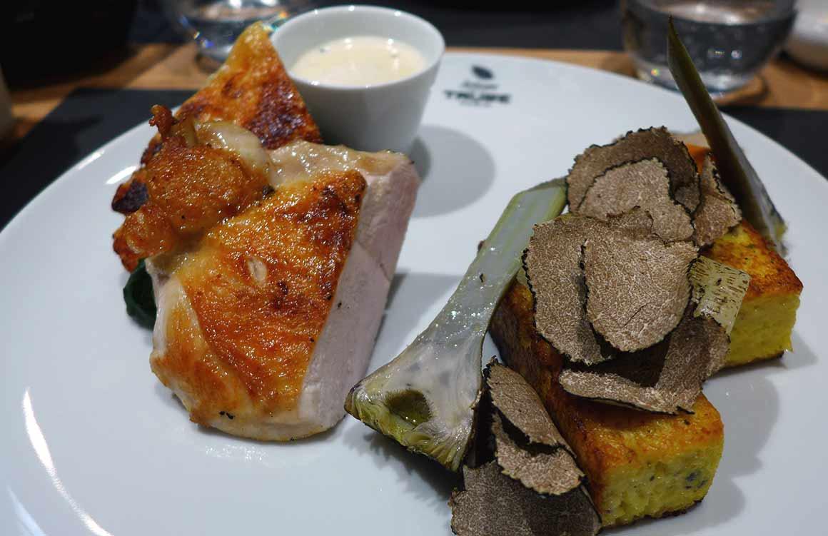 Restaurant Artisan de la Truffe, Suprême de volaille sauce poulette