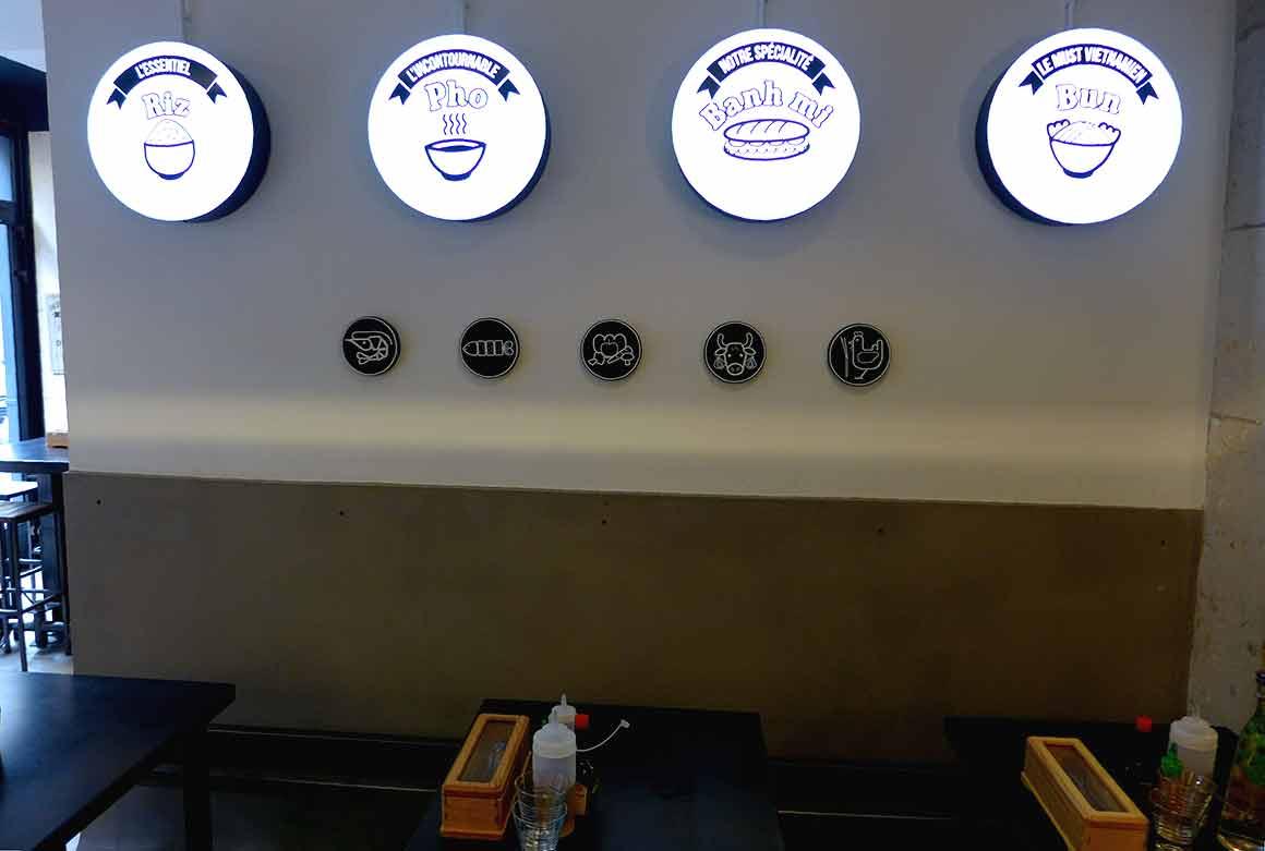 Restaurant Joy Malesherbes : Décoration de la salle