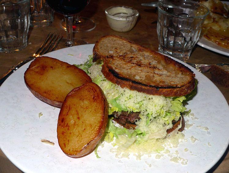 Retaurant Atelier Vivanda, le hamburger maison