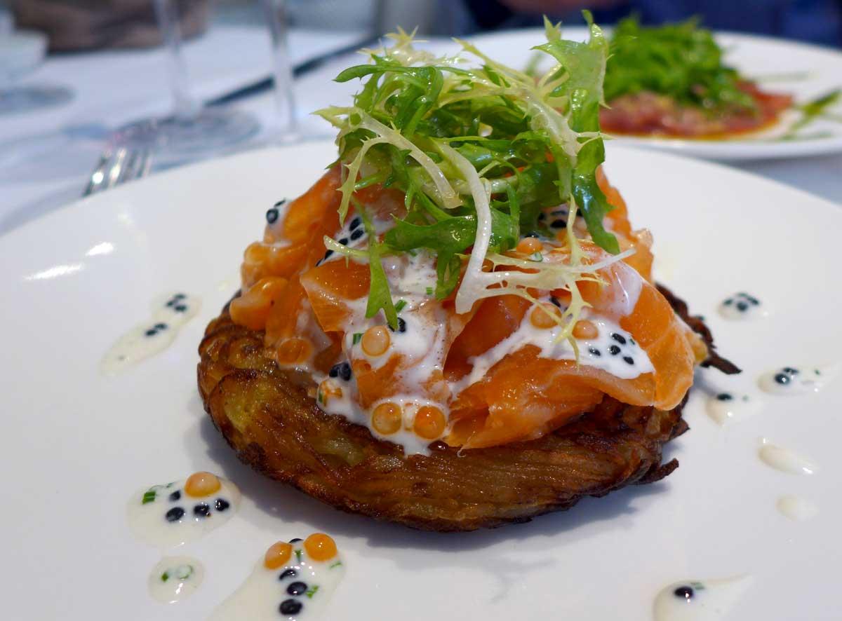 Restaurant Au 41 Penthièvre, Darphin de pommes de terre avec saumon fumé