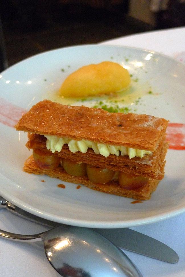 Restaurant Au Bon Accueil, millefeuille aux mirabelles