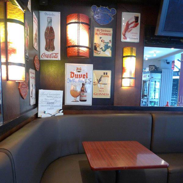 Brasserie Au Métro, La décoration de la salle