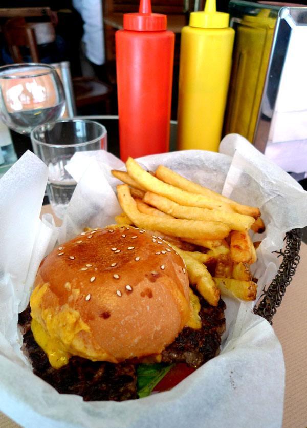 Restaurant Bedfor, Composition classique du burger
