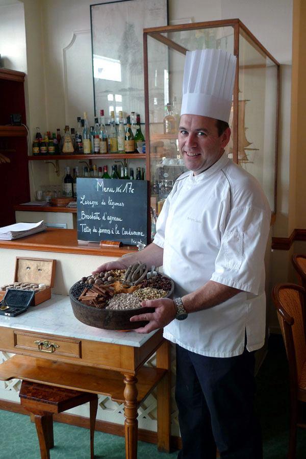 Restaurant Bernard du 15, Le chef Bernard Sellin et les épices