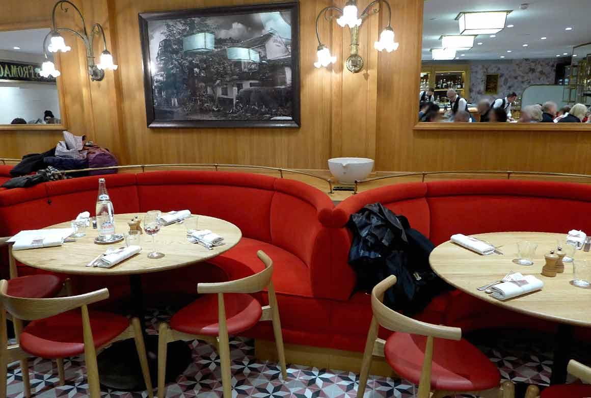 Bistrot BENOIT Louvre, banquettes confortables