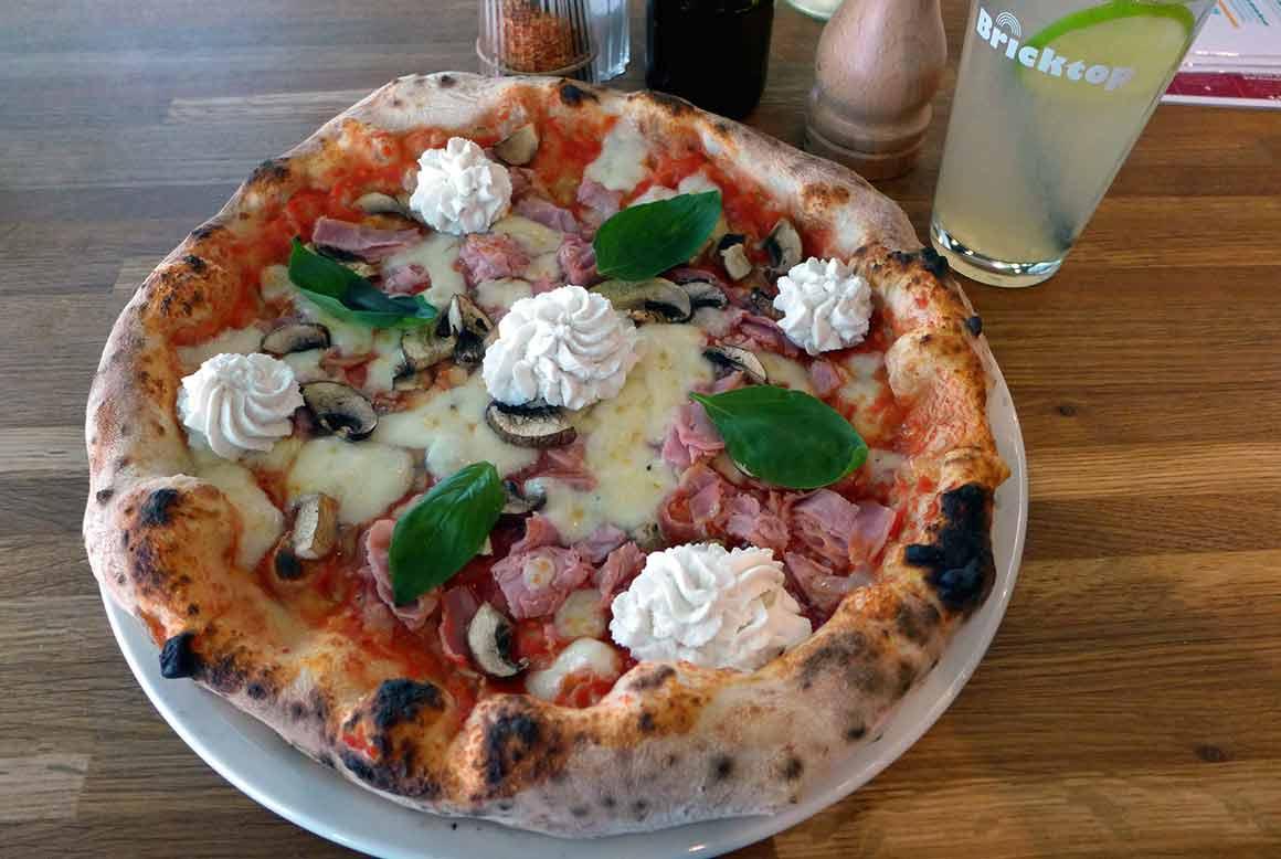 Pizzeria Bricktop Pizza : Pizza tomate mozzarella