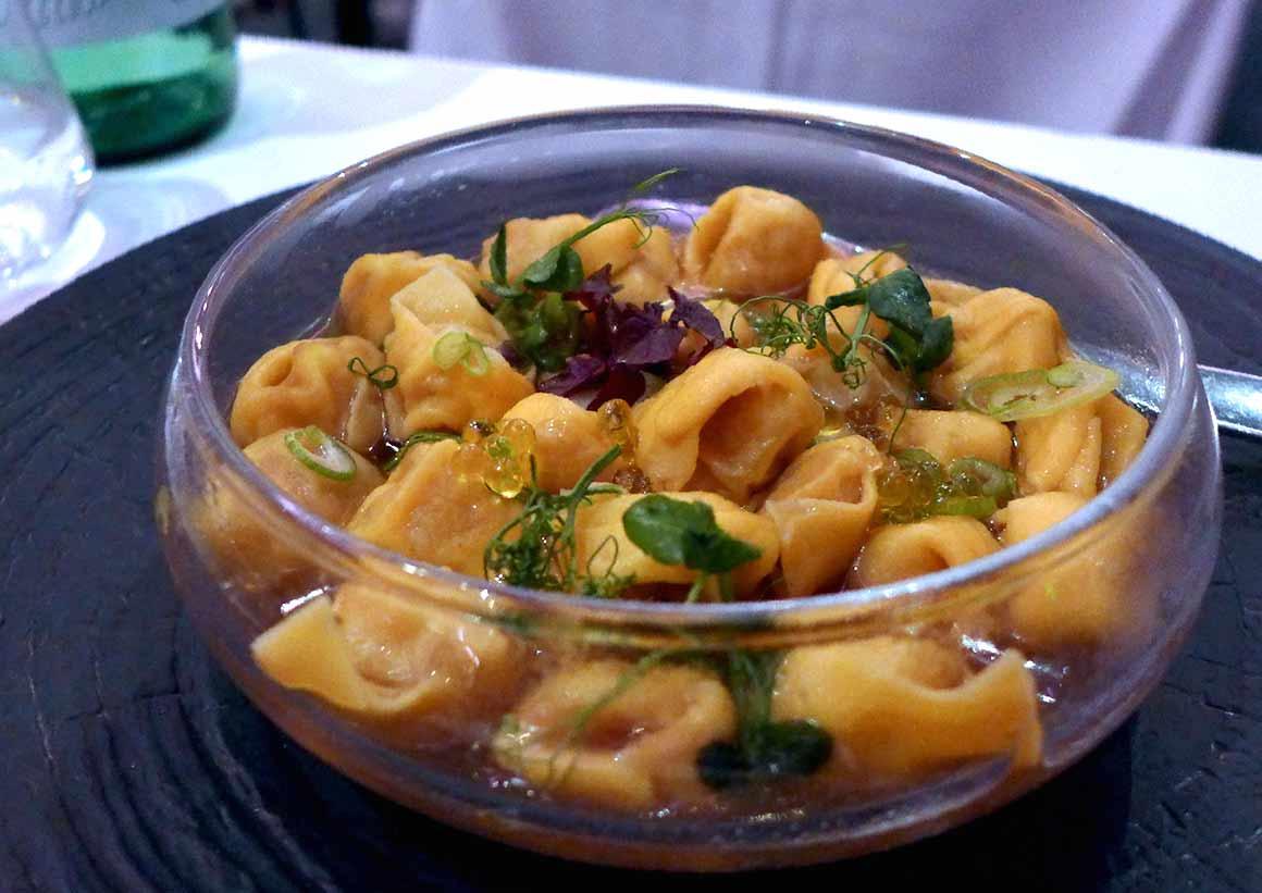 Restaurant Caffè Artcurial : Tortellini de Bologne dans un bouillon de poule