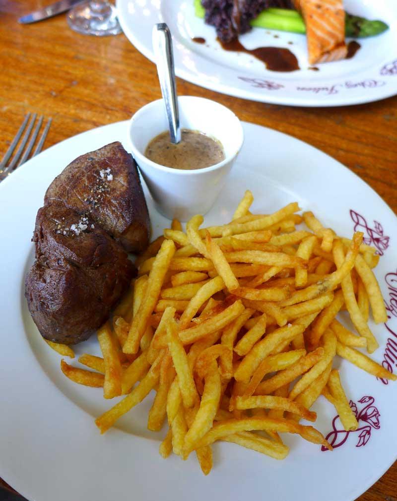 Restaurant Chez Julien : Chateaubriand sauce au poivre