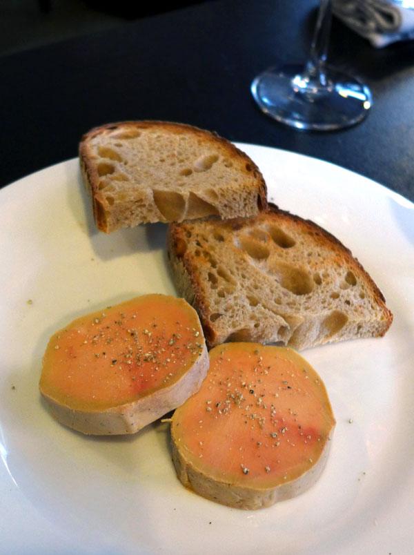 Restaurant CIRCONSTANCES, foie gras de canard à la fleur de sel