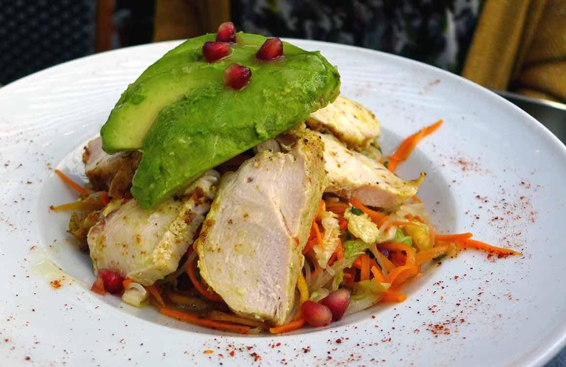 Bistrot VALOIS : La salade Thai au poulet