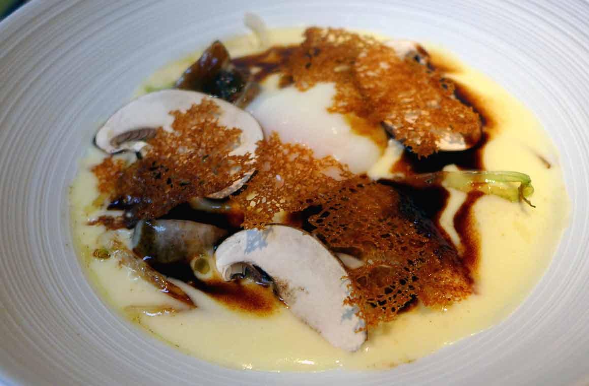 Restaurant La Table du 53, l'oeuf meurette