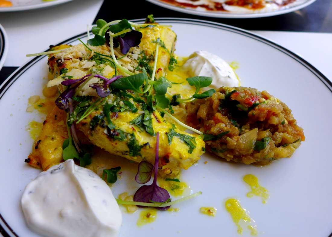 Restaurant DESI ROAD: Chicken Breasts et Almond-Saffron