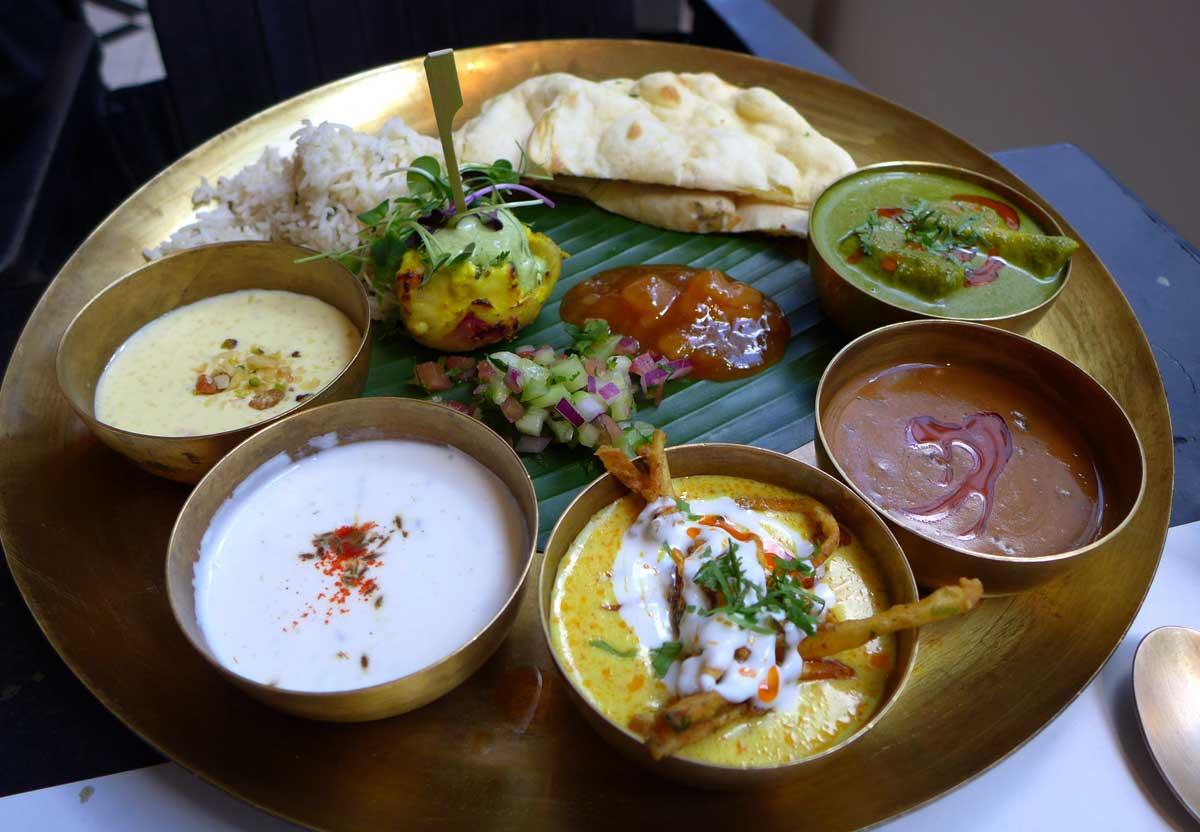 Restaurant DESI ROAD: Assortiment Thali Chicken