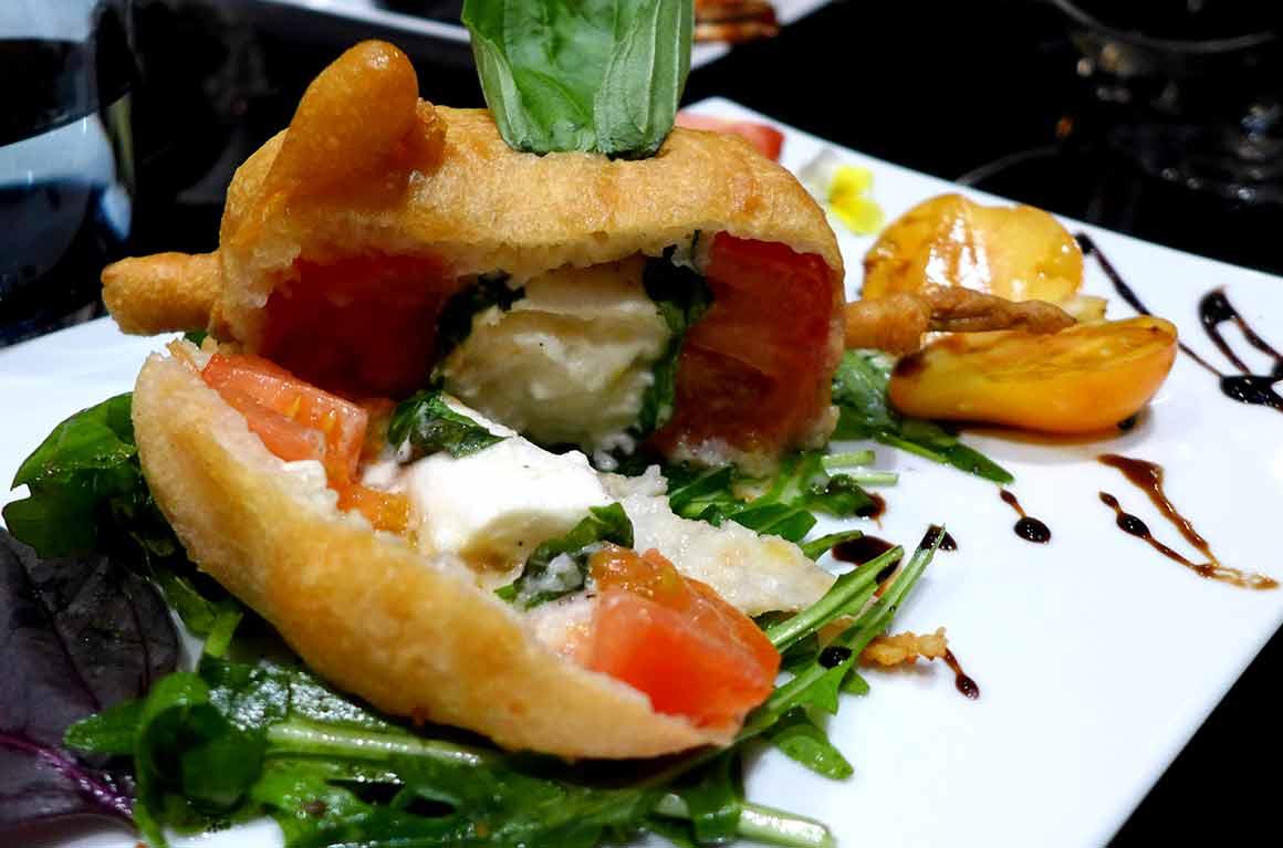Restaurant Monak, Beignet de tomates et mozzarella