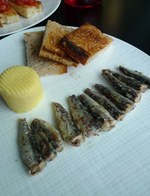 Restaurant Drugstore Steakhouse Publicis : Petites sardine d'Espagne