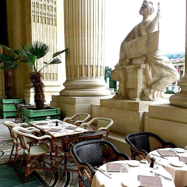Table en terrasse