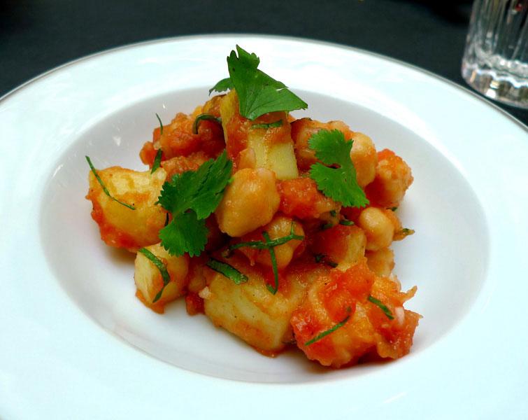 Restaurant LA BAUHINIA, Salade de pommes de terre et pois chiches