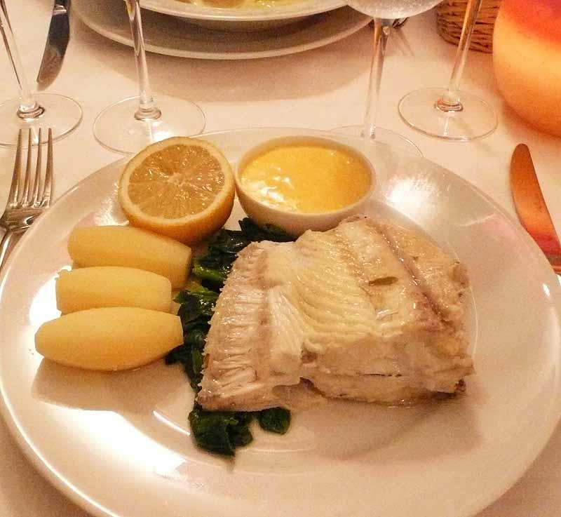 Restaurant Les Petites Sorcières, Le gros carrelet de côte poché hollandaise