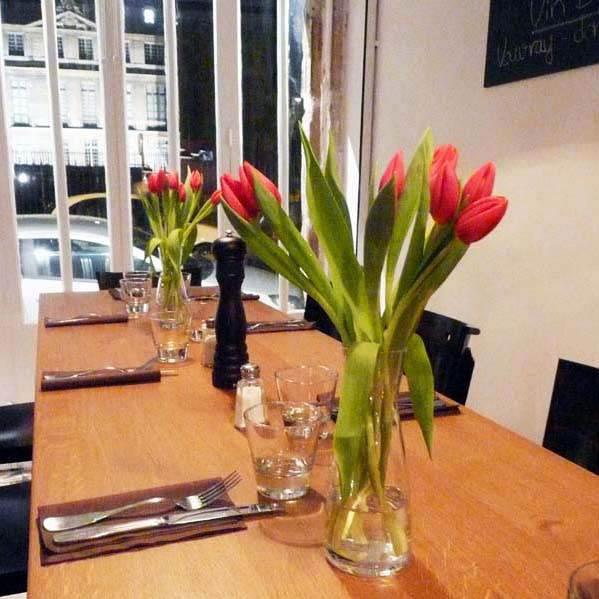 Restaurant Glou avec vue sur le jardin du musée Picasso