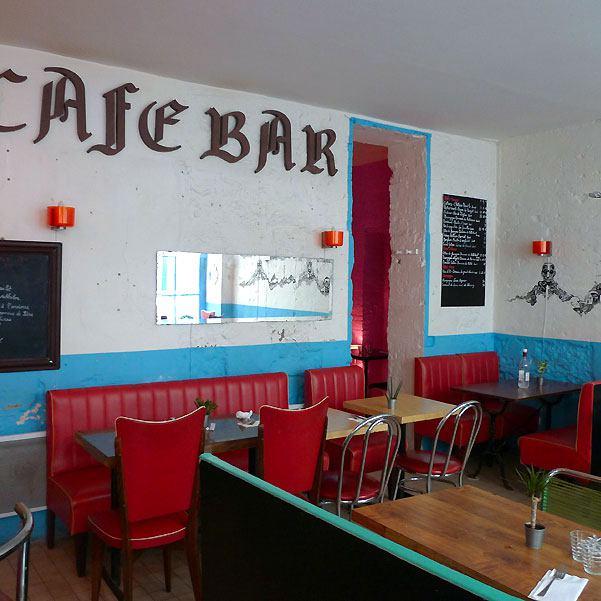 Restaurant Gourbi Palace, Décor coloré et mobilier vintage