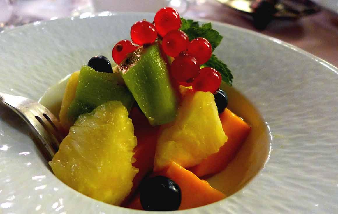 Restaurant VONG, coupe de fruits exotiques