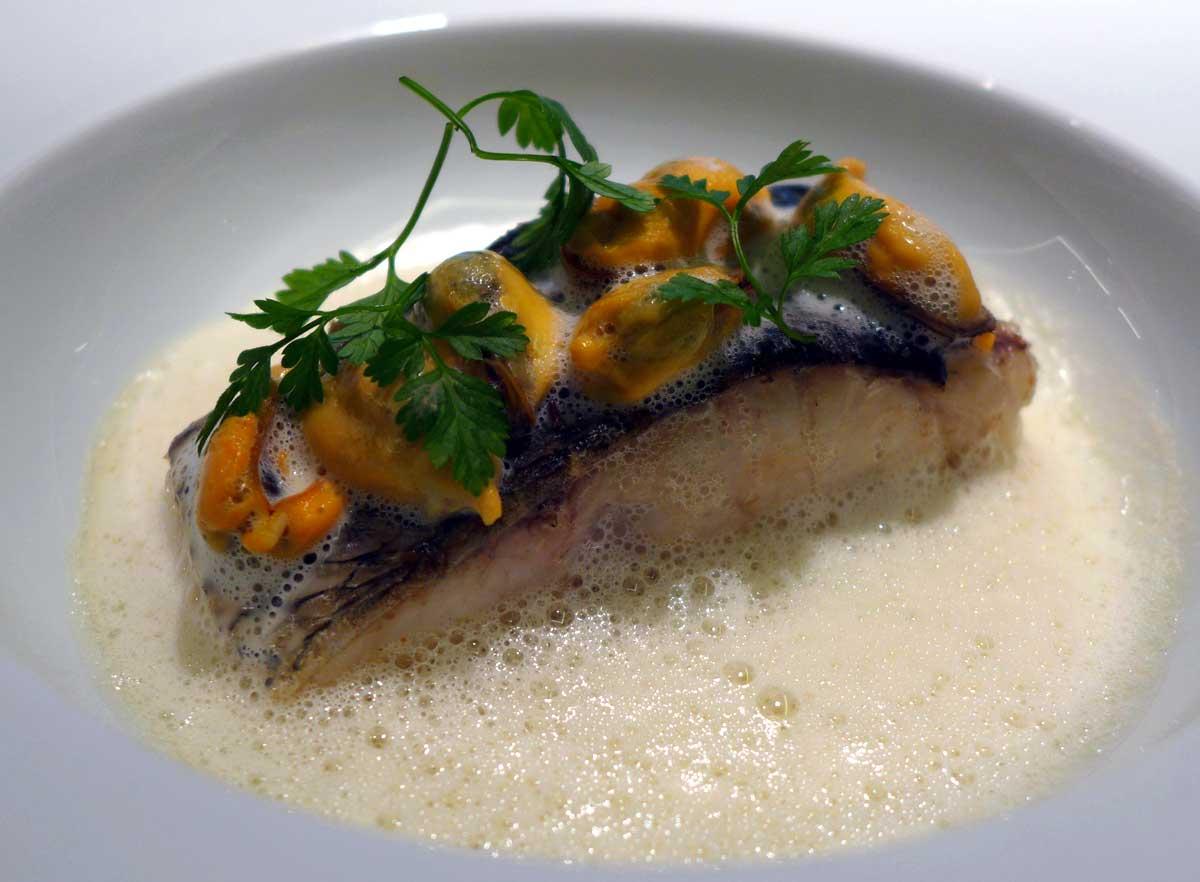 Restaurant HEXAGONE : Filet de maigre de Corse