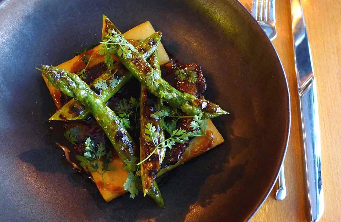 Restaurant HUGO & CO, joue de boeuf avec asperges