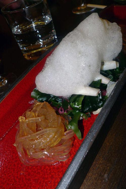 Restaurant Issé, couteaux et algues en salade