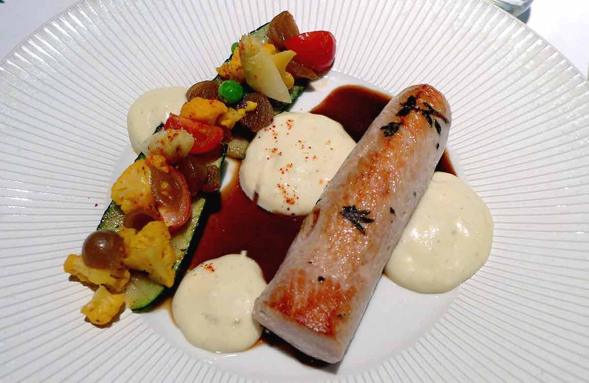Restaurant Jacques FAUSSAT : Suprême de volaille, mousse gratin courgettes