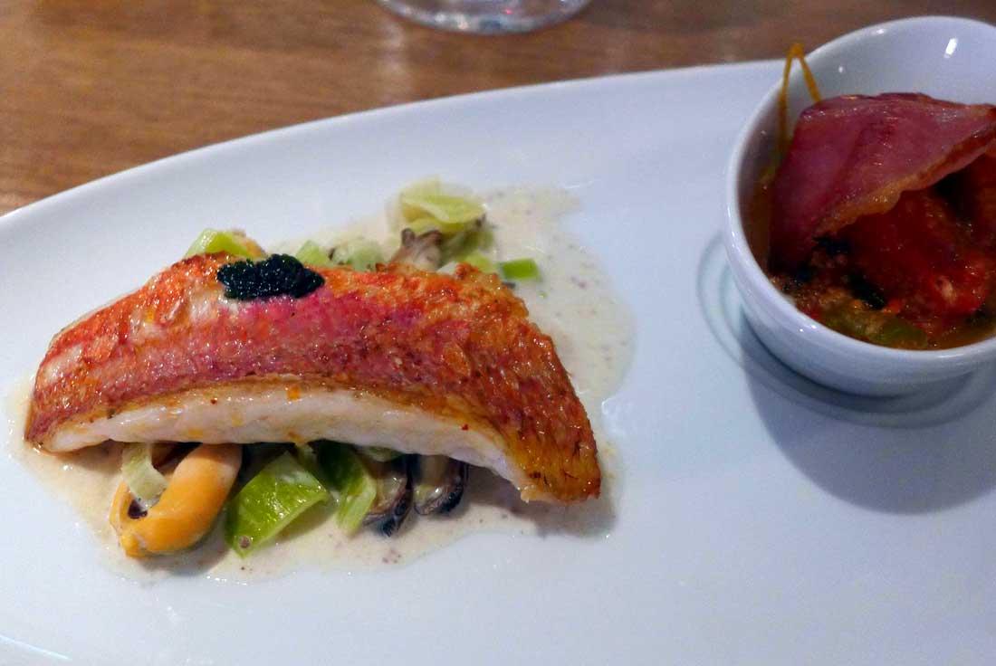 Restaurant Juste Le Zinc : Rouget piperade basquaise