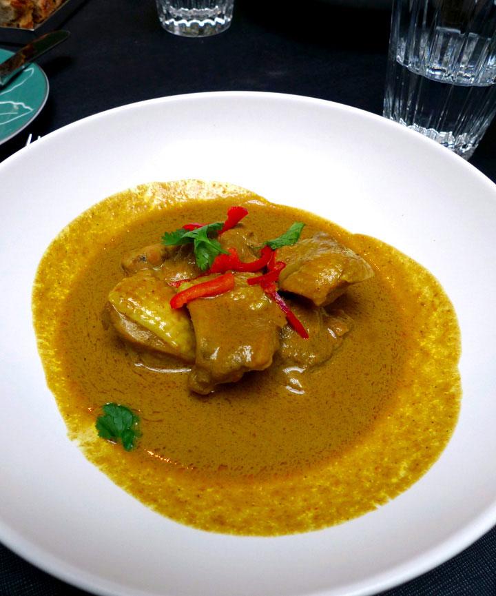 Restaurant La Bauhinia, poulet mariné à la citronnelle