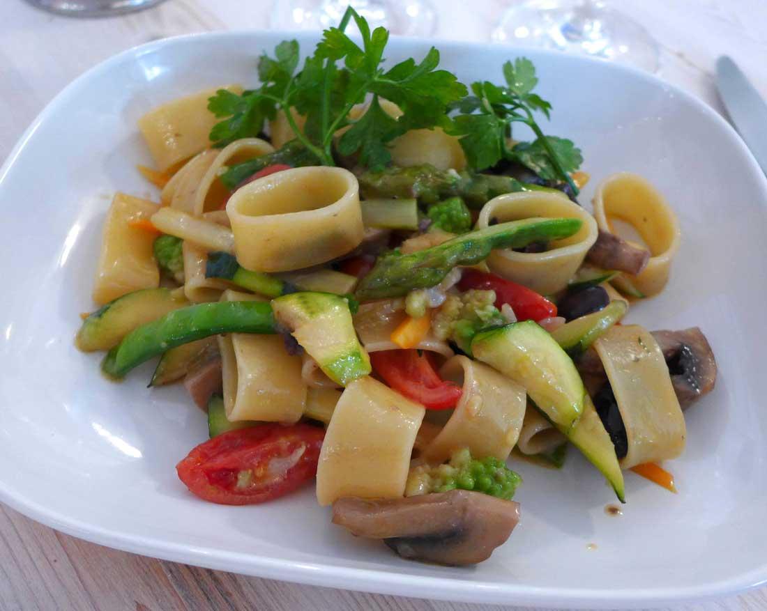 Restaurant LA BOCCA DELLA VERITA, calamarata aux légumes