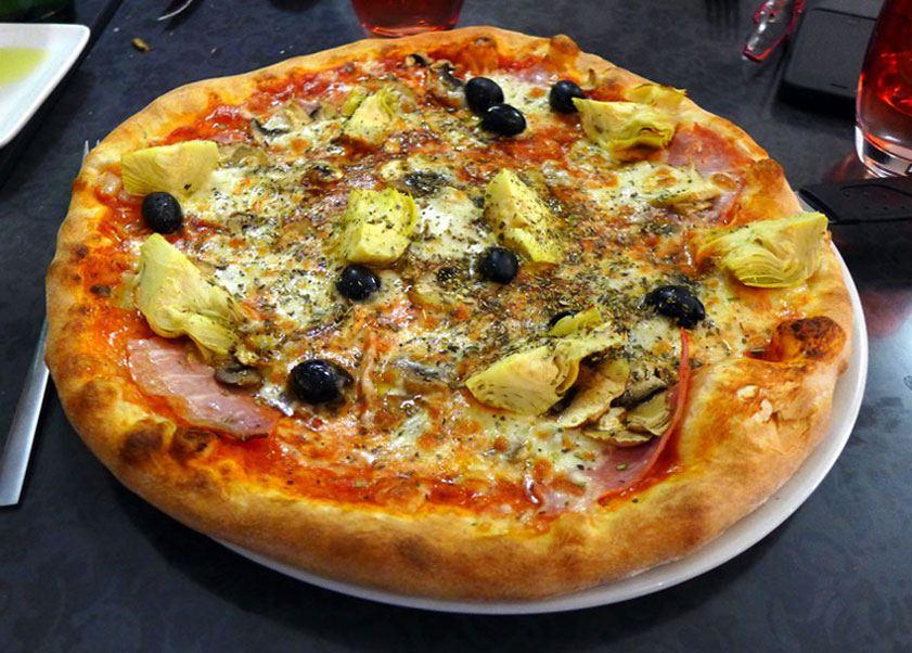 Restaurant La Casa Belucci : Pizza Capricciosa