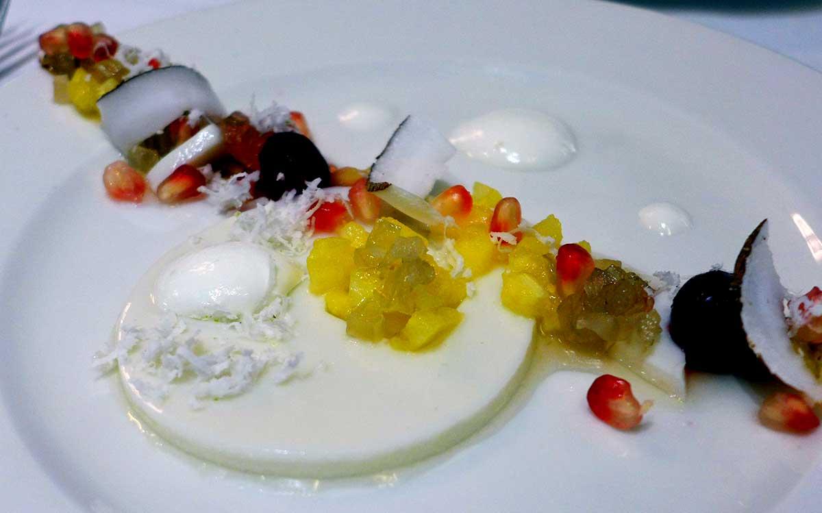 Restaurant LA COUPOLE : Panna cotta au lait de coco et fruits exotiques