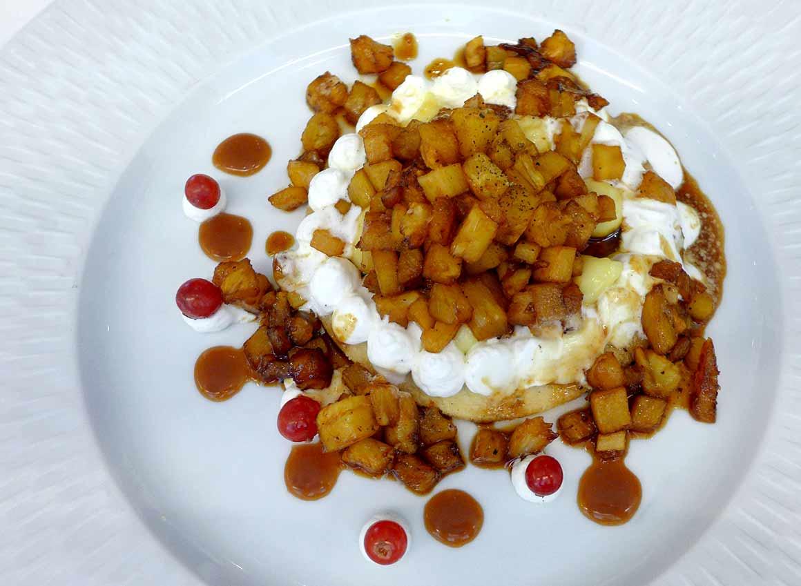 Restaurant La Cuisine de l'E7, Ananas Victoria flambé au rhum