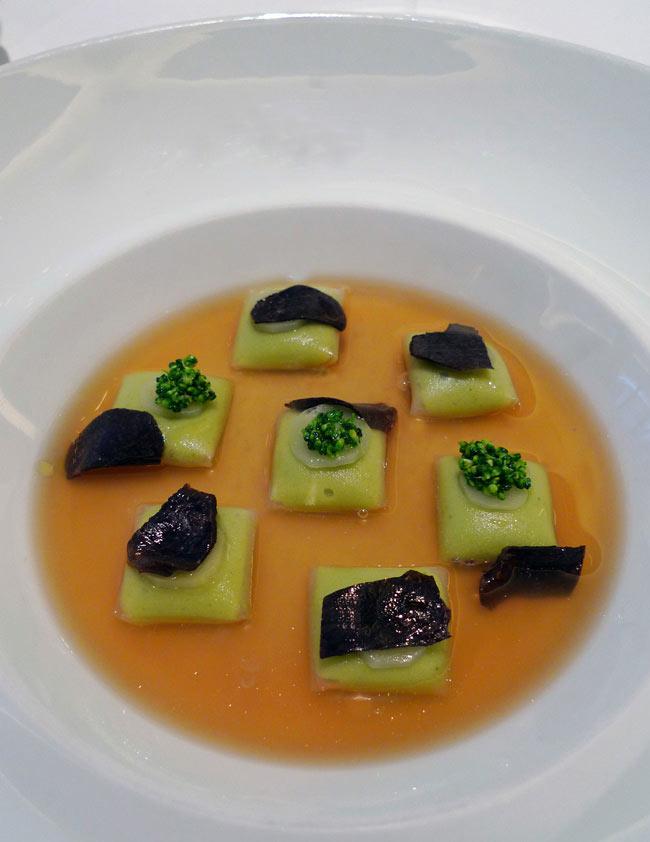 Restaurant La Table du Lancaster, cabillaud poché raviolis