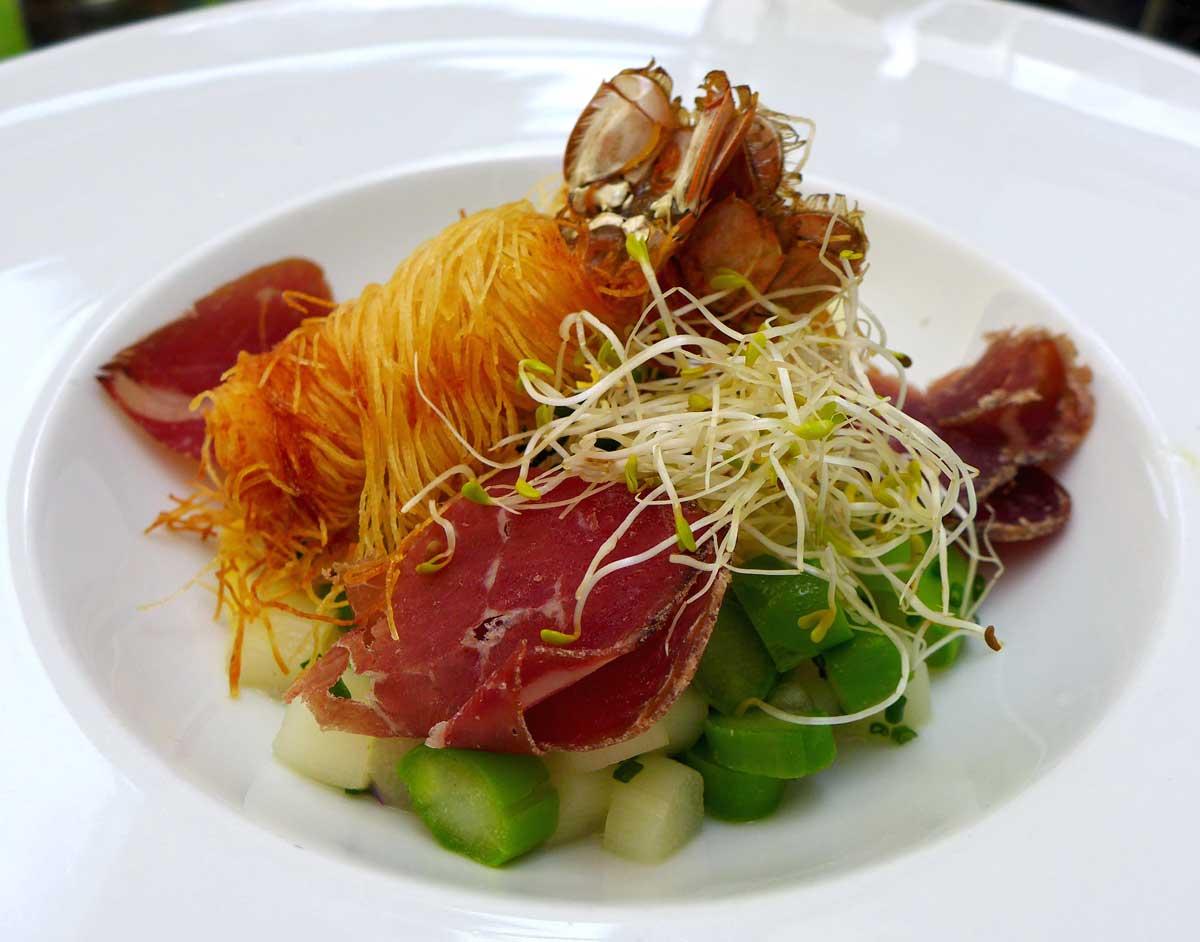 Restaurant LE W : Langoustines et asperges vertes et blanches